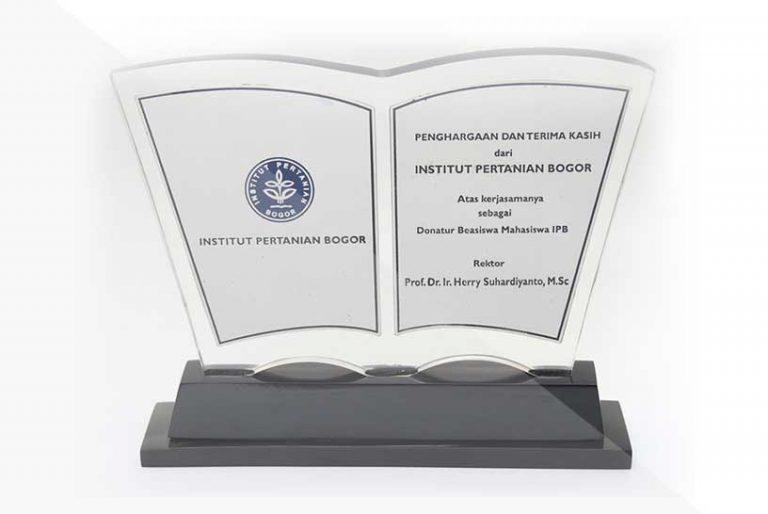 korindo-group-awards-Scholarship-Award-from-Institut-Bogor-Agricultural