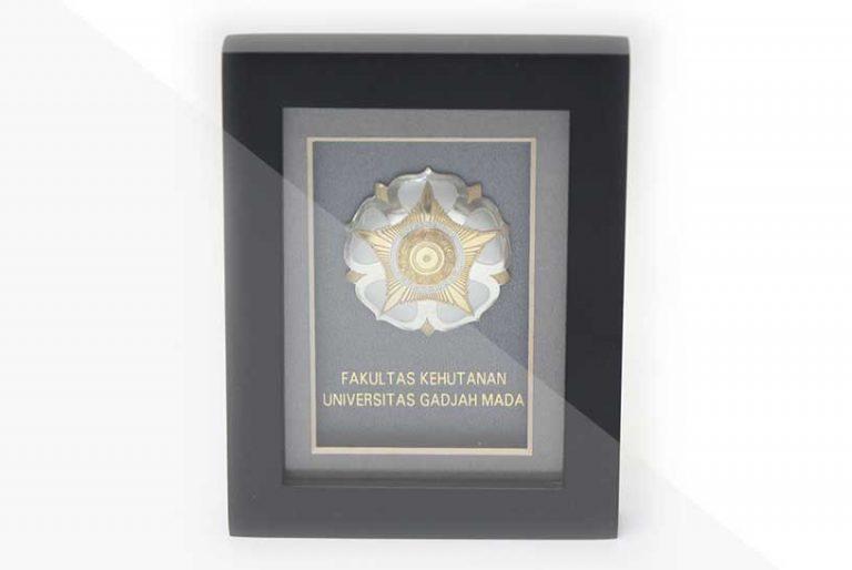 korindo-group-awards-2009-Scholarship-awards-from-Gajah-Mada-University