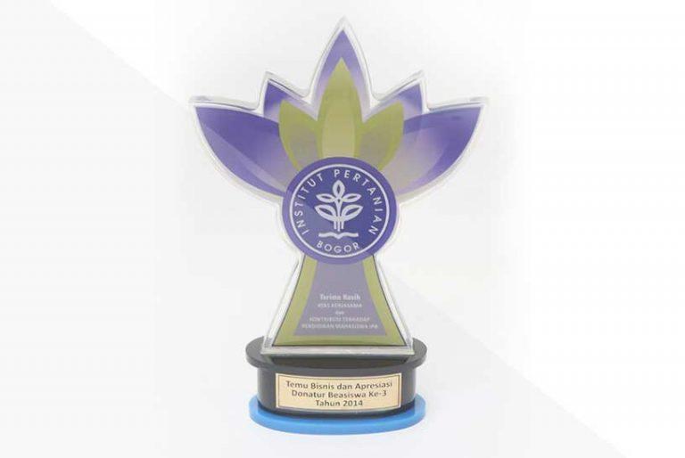 korindo-group-awards-2014-Scholarship-awards-from-Bogor-Agricultural-University